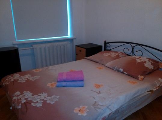 3-комнатная квартира посуточно в Киеве. Голосеевский район, Красноармейская, 122. Фото 1