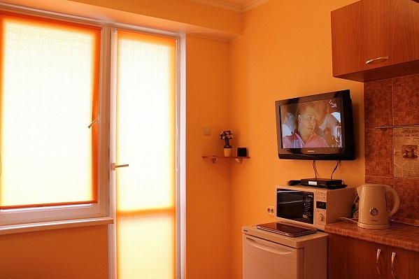 1-комнатная квартира посуточно в Севастополе. Гагаринский район, ул. Рыбацкий причал, 6. Фото 1