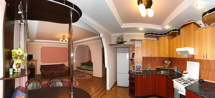 1-комнатная квартира посуточно в Трускавце. ул. Мазепы, 14. Фото 1