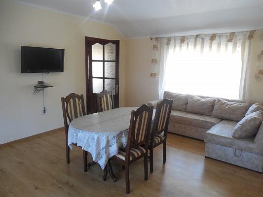 3-комнатная квартира посуточно в Трускавце. ул. Героев УПА, 22. Фото 1