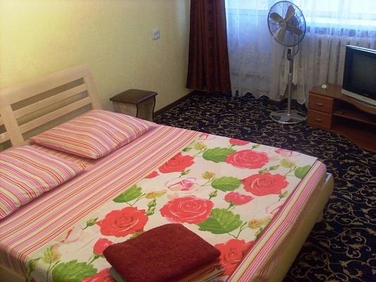 1-комнатная квартира посуточно в Черкассах. ул. Громова, 5. Фото 1