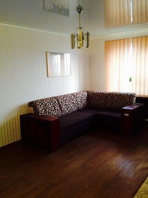2-комнатная квартира посуточно в Чернигове. Новозаводской район, пр-т Победы, 43. Фото 1