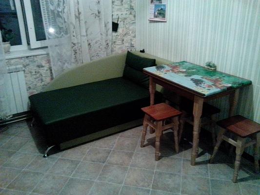 1-комнатная квартира посуточно в Шостке. ул. Короленко, 38. Фото 1