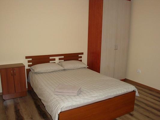 1-комнатная квартира посуточно в Тернополе. ул. Самчука, 3. Фото 1