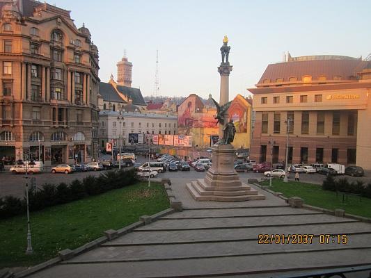 1-комнатная квартира посуточно в Львове. Галицкий район, ул. Свободы, 40. Фото 1