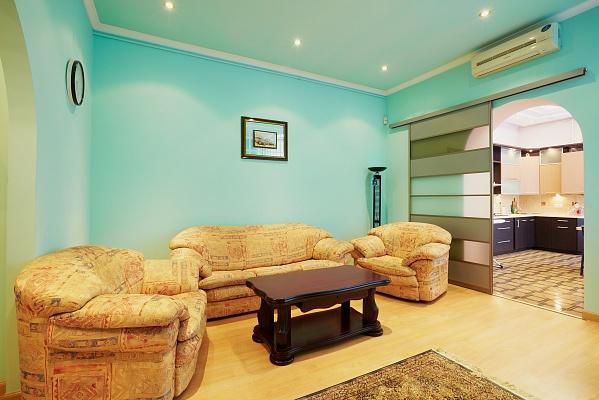 3-комнатная квартира посуточно в Львове. Галицкий район, ул. Лепкого, 7. Фото 1