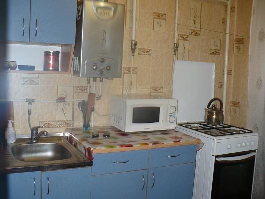 2-комнатная квартира посуточно в Горловке. ул. Гагарина, 60. Фото 1