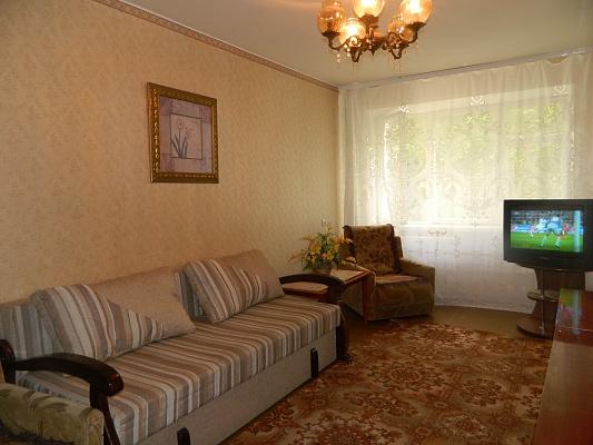 2-комнатная квартира посуточно в Хмельницком. ул. Молодежная, 5. Фото 1