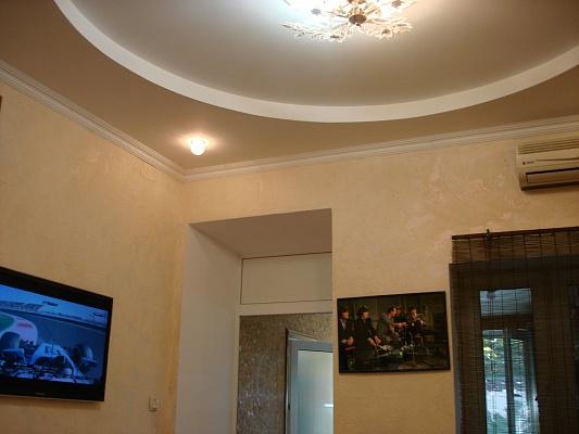 1-комнатная квартира посуточно в Ялте. ул. Кирова, 46. Фото 1