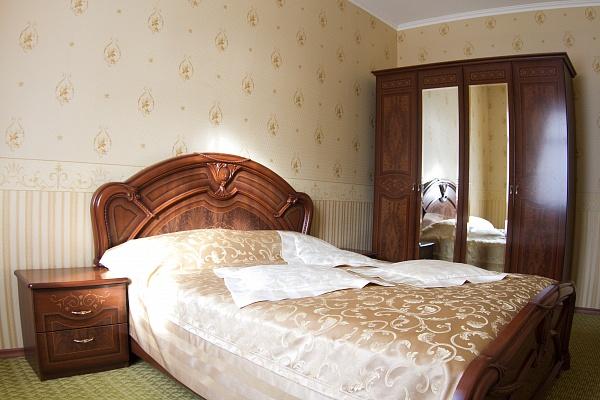3-комнатная квартира посуточно в Трускавце. ул. Шевченко, 19. Фото 1