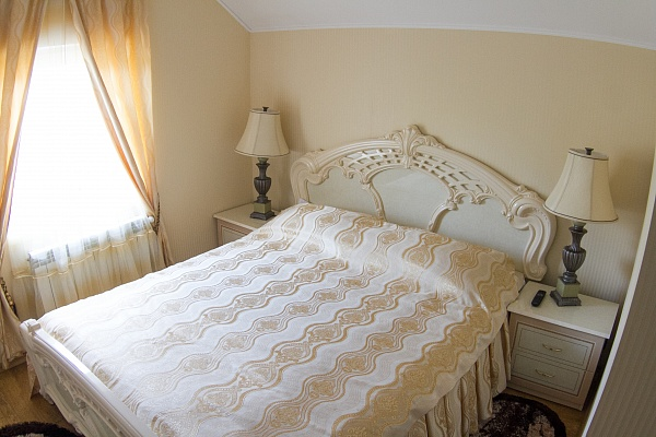2-комнатная квартира посуточно в Трускавце. ул. Шевченко, 19. Фото 1