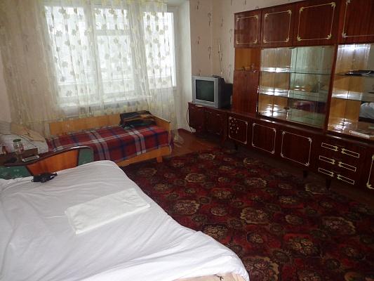 2-комнатная квартира посуточно в Житомире. ул. Московская, 31. Фото 1