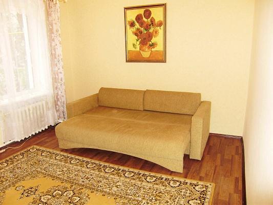 1-комнатная квартира посуточно в Миргороде. ул. Гоголя, 131. Фото 1