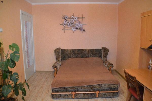 2-комнатная квартира посуточно в Алуште. ул. Октябрьская, 55. Фото 1