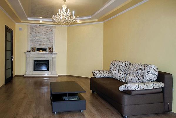 3-комнатная квартира посуточно в Трускавце. ул. Крушельницкой, 8. Фото 1