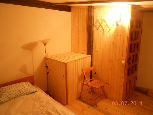 2-комнатная квартира посуточно в Львове. Галицкий район, пл. Князя Осмомисла, 1. Фото 1