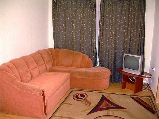 2-комнатная квартира посуточно в Горловке. ул. Советская, 21. Фото 1