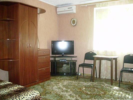 Мини-отель  посуточно в Бердянске. ул. Макарова, 34. Фото 1