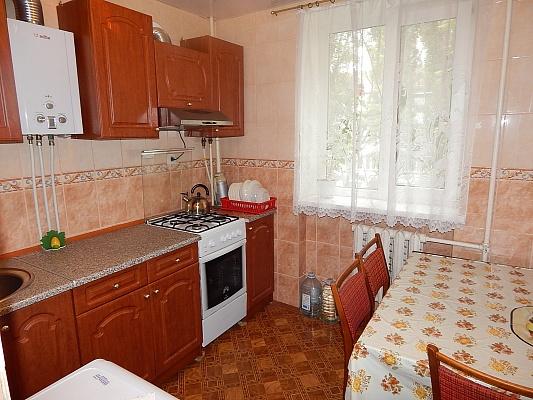 2-комнатная квартира посуточно в Феодосии. ул. Чкалова, 92. Фото 1