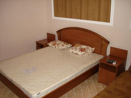 Мини-отель  посуточно в Феодосии. ул. Севастопольская, 1. Фото 1