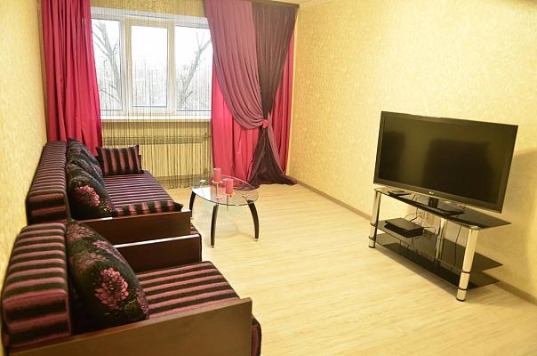 2-комнатная квартира посуточно в Николаеве. Заводской район, пр-т Ленина, 30. Фото 1