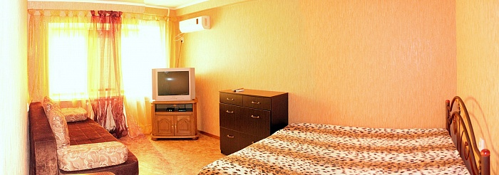 1-комнатная квартира посуточно в Донецке. Калининский район, пр-т Ильича, 1. Фото 1