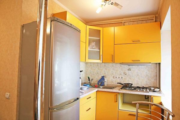 2-комнатная квартира посуточно в Киеве. Печерский район, бул.  Леси Украинки, 16. Фото 1