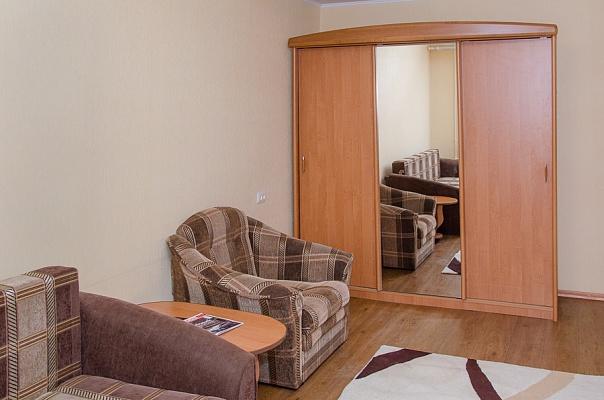 1-комнатная квартира посуточно в Харькове. Дзержинский район, ул. Маршала Жукова, 13. Фото 1