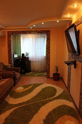 2-комнатная квартира посуточно в Алуште. Симферопольская, 22. Фото 1