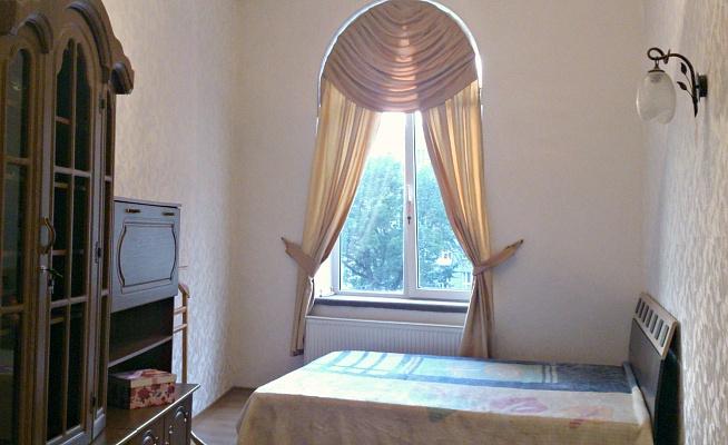 3-комнатная квартира посуточно в Львове. Галицкий район, пл. Соборная, 17. Фото 1