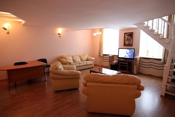 2-комнатная квартира посуточно в Одессе. Приморский район, пл. Екатерининская, 1. Фото 1