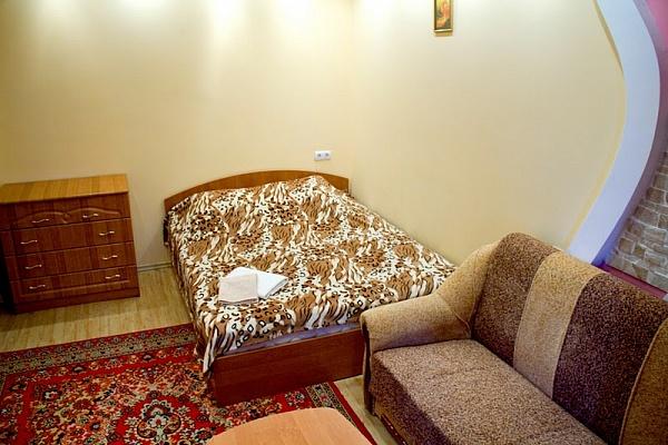 1-комнатная квартира посуточно в Киеве. Оболонский район, пр-т Оболонский, 7Б. Фото 1