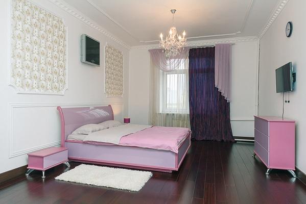 3-комнатная квартира посуточно в Киеве. Голосеевский район, ул. Большая Васильковская, 48. Фото 1