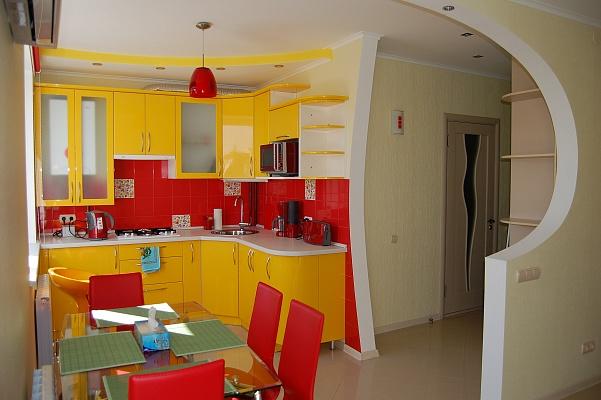 1-комнатная квартира посуточно в Николаеве. Центральный район, ул. Советская, 12. Фото 1
