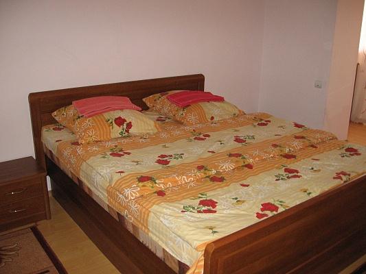 2-комнатная квартира посуточно в Луцке. пр-т Соборности, 42а. Фото 1