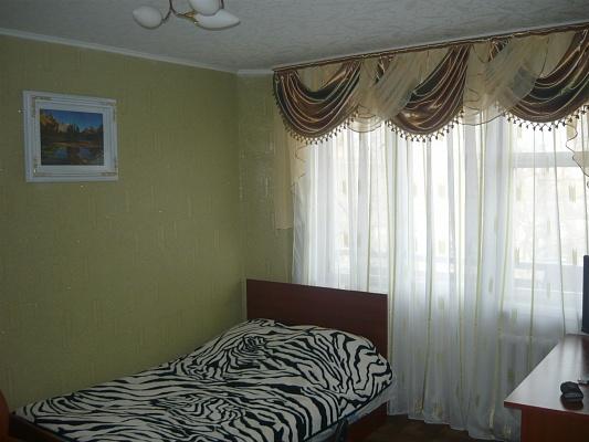 1-комнатная квартира посуточно в Житомире. ул. Московская, 44. Фото 1