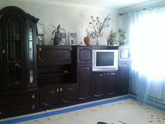 2-комнатная квартира посуточно в Бердянске. ул. Горького, 43. Фото 1