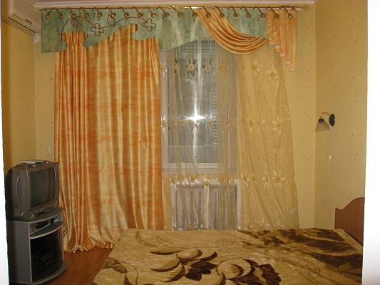 2-комнатная квартира посуточно в Одессе. Приморский район, пер. Матросова, 3. Фото 1