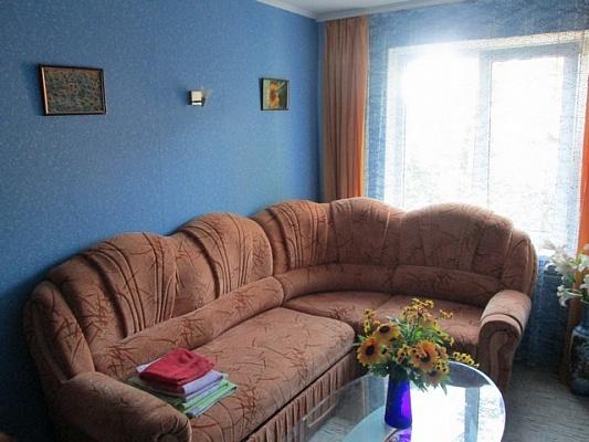 3-комнатная квартира посуточно в Алуште. ул. Платановая, 4. Фото 1