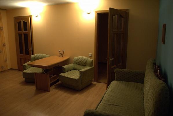 2-комнатная квартира посуточно в Запорожье. Орджоникидзевский район, пр-т Ленина, 156. Фото 1
