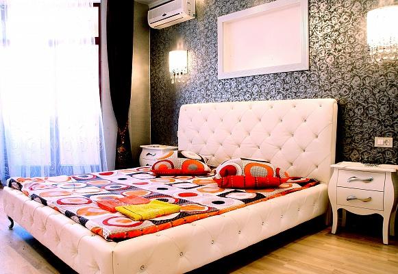 3-комнатная квартира посуточно в Одессе. Приморский район, ул. Тенистая, 9\12. Фото 1