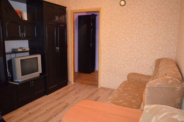 1-комнатная квартира посуточно в Ровно. ул. Даниила Галицкого, 9а. Фото 1