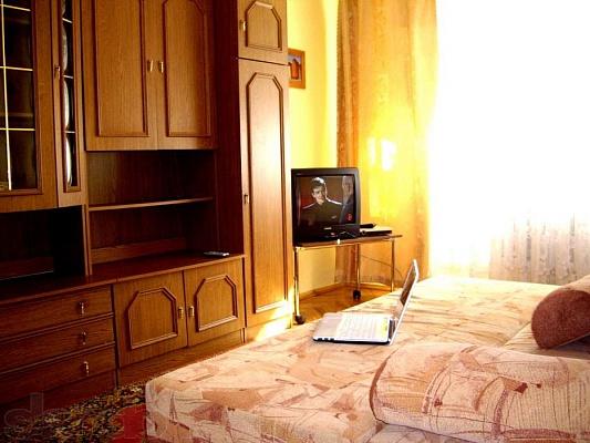 1-комнатная квартира посуточно в Ровно. ул. Котляревского, 12. Фото 1