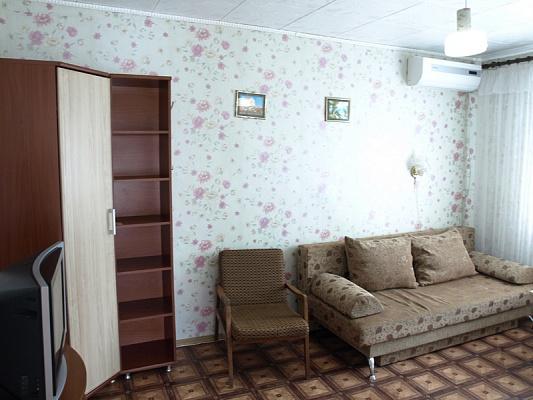 Дом  посуточно в Евпатории. ул. Симферопольская, 72. Фото 1