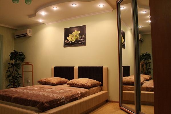 1-комнатная квартира посуточно в Кривом Роге. Саксаганский район, ул. Тесленко, 23. Фото 1