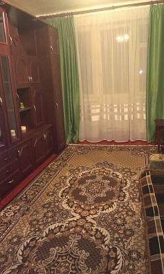 3-комнатная квартира посуточно в Шостке. ул. Знаменская (Коммунистическая), 5. Фото 1