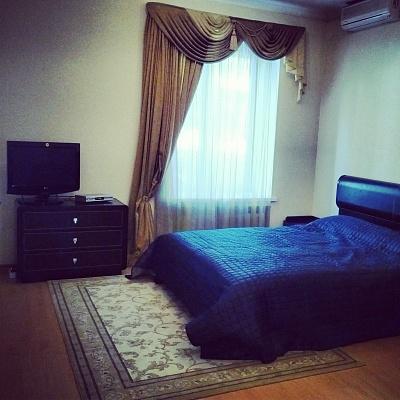 1-комнатная квартира посуточно в Севастополе. Ленинский район, пр-т Нахимова, 1. Фото 1