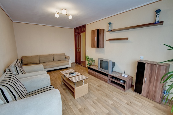 2-комнатная квартира посуточно в Одессе. Приморский район, ул. Армейская, 16. Фото 1