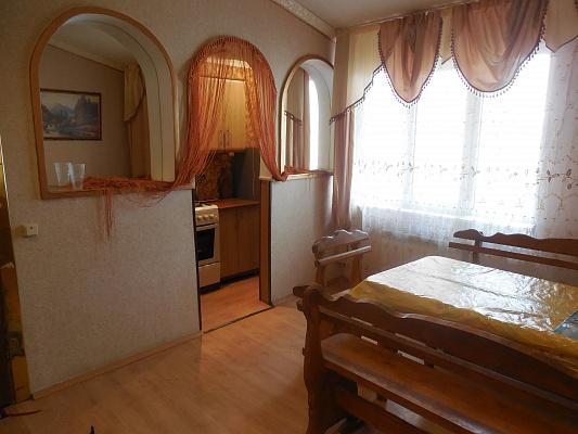 2-комнатная квартира посуточно в Трускавце. ул. Дрогобычская, 12. Фото 1