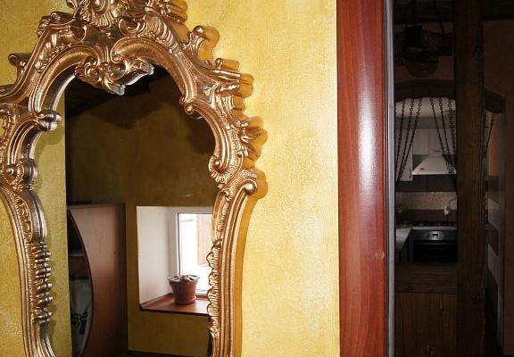 1-комнатная квартира посуточно в Ивано-Франковске. ул. Чорновола, 153. Фото 1